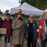 Les organisateurs et les invités de la Thoreau Society : Jean Cloutier, H. McNicoll, Richard Smith alias Henry D. Thoreau, C. Hosfeld Smith et Jacques Delorme